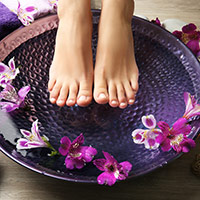Freedom From Cracked Heels! Get Soft, Smooth Feet With These Incredible DIY Foot Salves