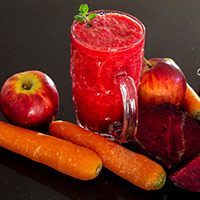 Digital Strain Ruining Eye Health? Drink These Vitamin Loaded Juices To Brighten Up Your Vision