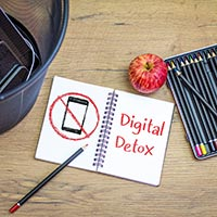 Digital Detox: 5 Step-Guide On How To Disconnect And Relax