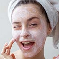 Beat Blackheads With These Beauty Masks