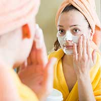 3 Amazing DIY Remedies To Treat Facial Pores