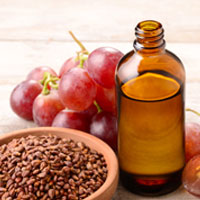 Impressive Benefits of Grapeseed Oil Based Products For Skin And Hair Health
