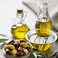 Olive Oil: 5 Incredible Ways It Benefits Your Skin And Hair