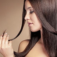 Check These Amazing Tips To Get Glossy Hair In Winter