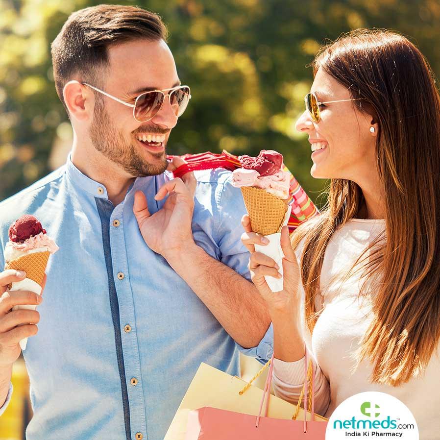 Couple eating ice-creams